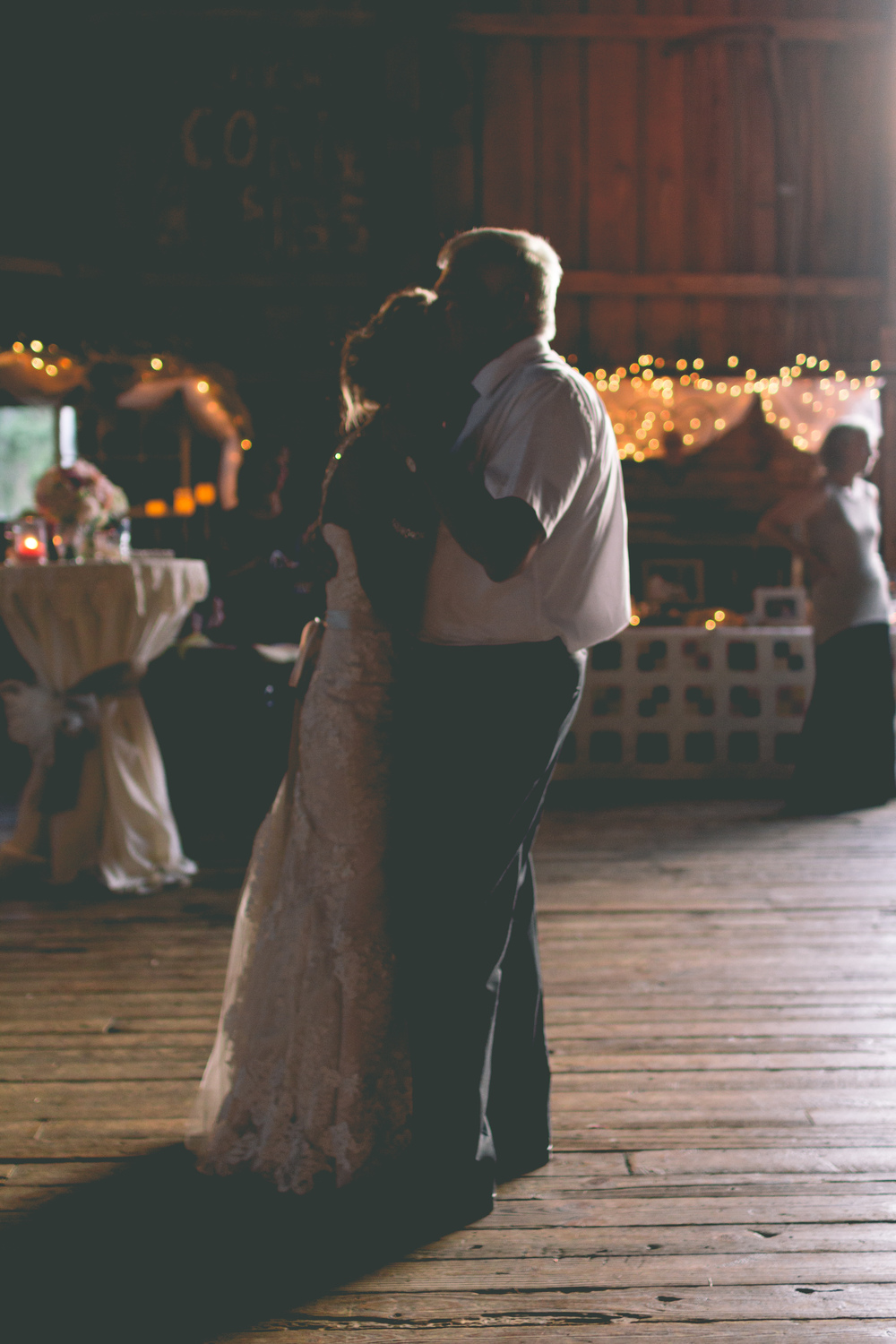 Ashley_Joe_Rustic_Wedding-44.jpg