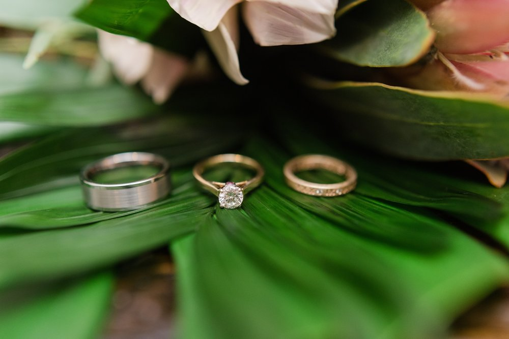 Beautiful_Palm_Wedding_Rings