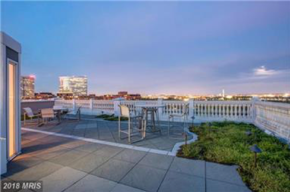 Photo of 1400 Meade St N curtesy of TTR Sotheby's International Realty