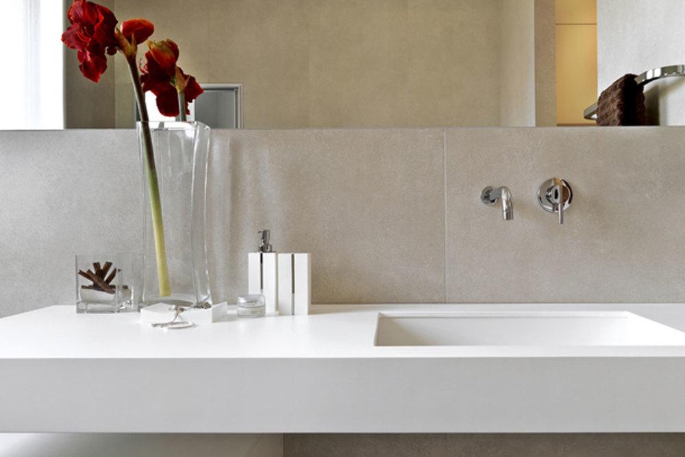 Modern-Bath-Vignette.jpg