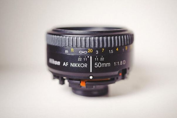 http://petapixel.com/2013/02/04/freelensing-make-a-diy-poor-mans-tilt-shift-by-breaking-a-cheap-prime-lens/