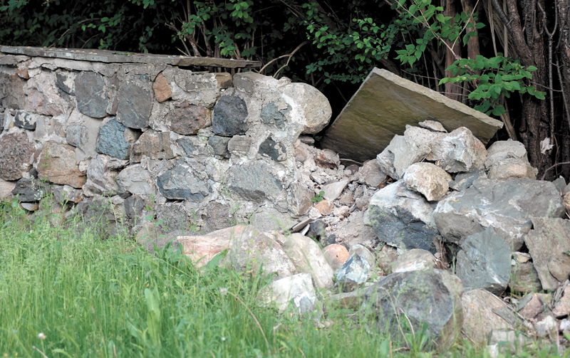 31-Stone-Wall1.jpg