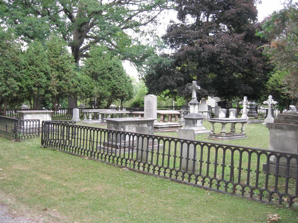 Wadsworth plot at Temple Hill Cemetery, 2006