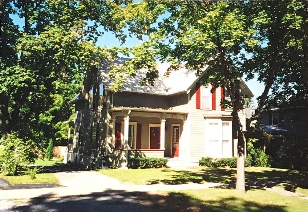 1999 - 24 Second Street