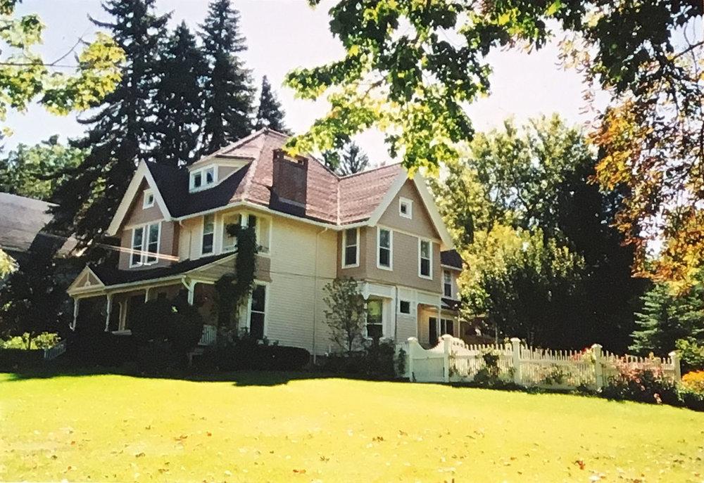 1999 - 76 Center Street