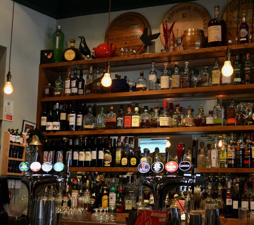 Blackbird Bar Bruntsfield Edinburgh drinks