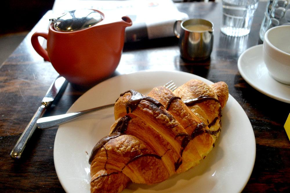 Chocolate croissant.jpg