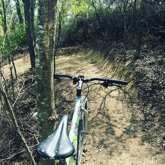 Great #texastuesday to ride the new section of trail at #quannahhill . Well done and thanks to the #weatherfordmtbc. #smoothlube