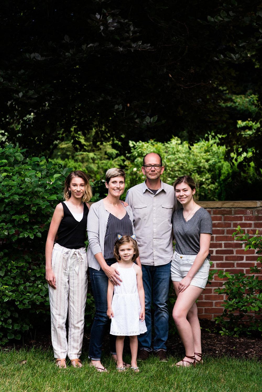 TOLEDO OHIO FAMILY PHOTOGRAPHER-3.jpg