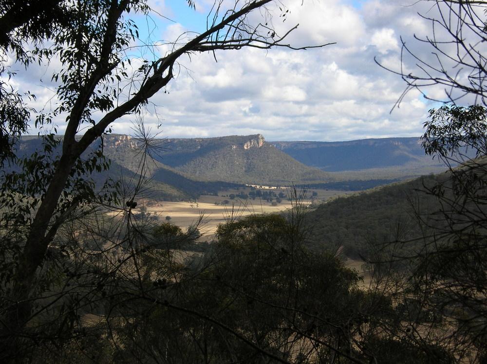 Wolgan Valley.jpg