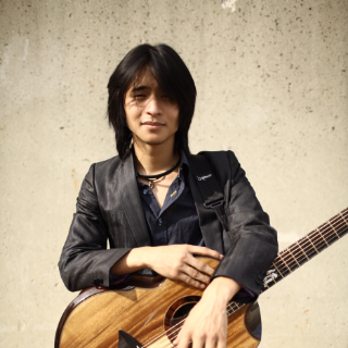 Shun Ng, guitartist & vocalist, Boston