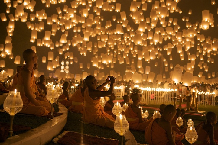 Floating-Lantern-Chiang-Mai