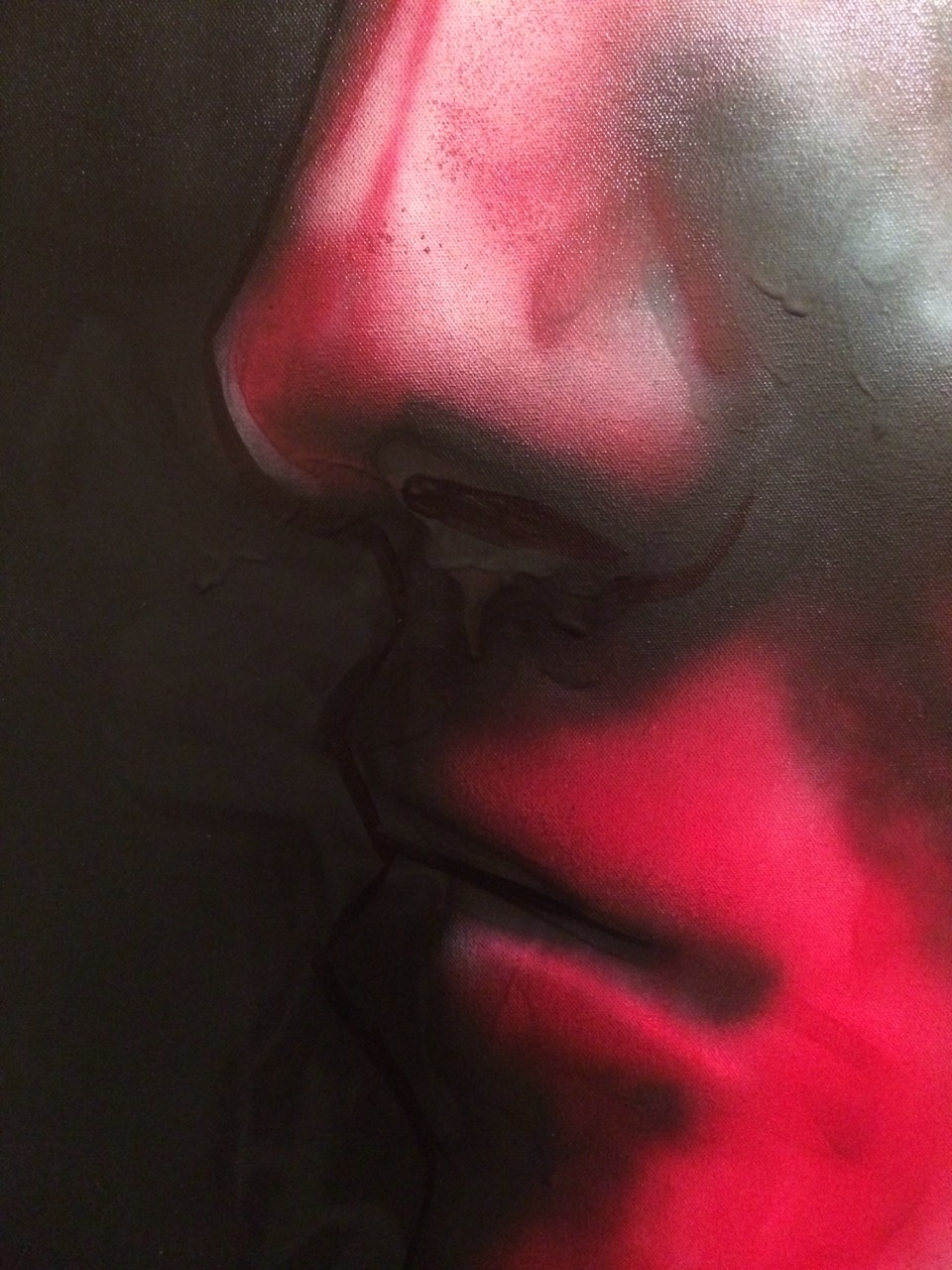 Close up detail on my spray paint work. I like how strong the lines are and the shading is pretty rough but somehow elegant.