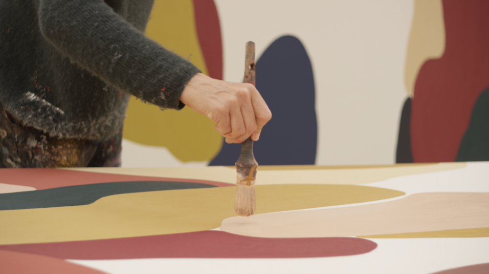 - Once fully satisfied with the range of the palette, Valsells transfers it to the canvas, often applying forms at the painting edges while omitting the interior. The shapes transposed are freeform and imperfect rivulets and semicircles.