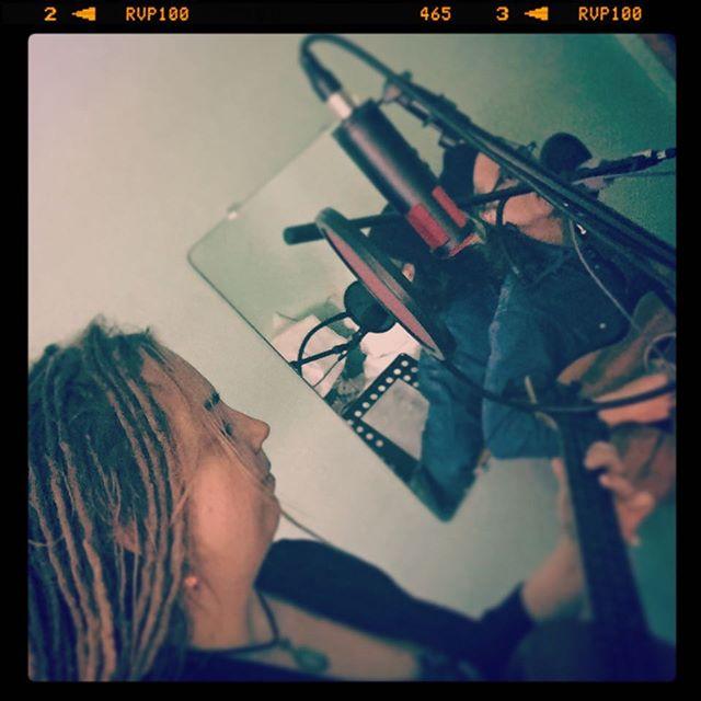 #loveonholiday2019 @holidaymusicmotel  @carleybaer @vincentvonpiglet @featheredmasoncam @carleybaermusic #shure313 @shure
