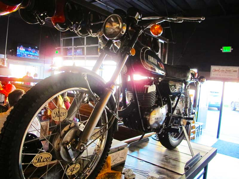 smarty-pants-garage-in-burien_yamaha-rev-moto-02.jpg