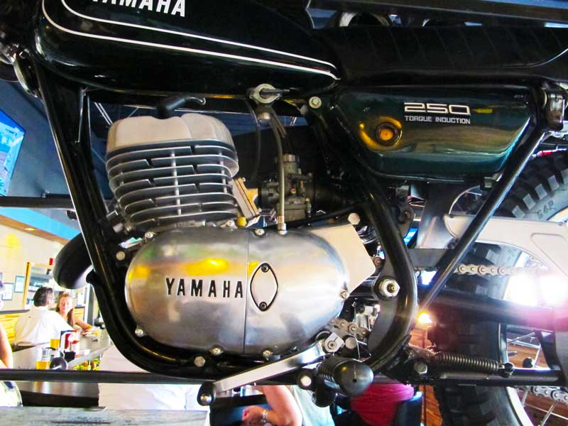 smarty-pants-garage-in-burien_yamaha-rev-moto-03.jpg