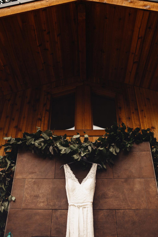 CABIN WEDDING SKAMANIA LODGE_JOSH HALEY_JENNY CHOKBENGBOUN PHOTO _-9 copy.jpg