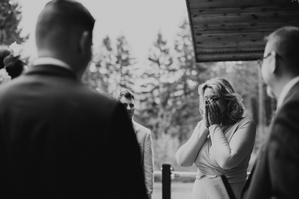 CABIN WEDDING SKAMANIA LODGE_JOSH HALEY_JENNY CHOKBENGBOUN PHOTO _-75.JPG