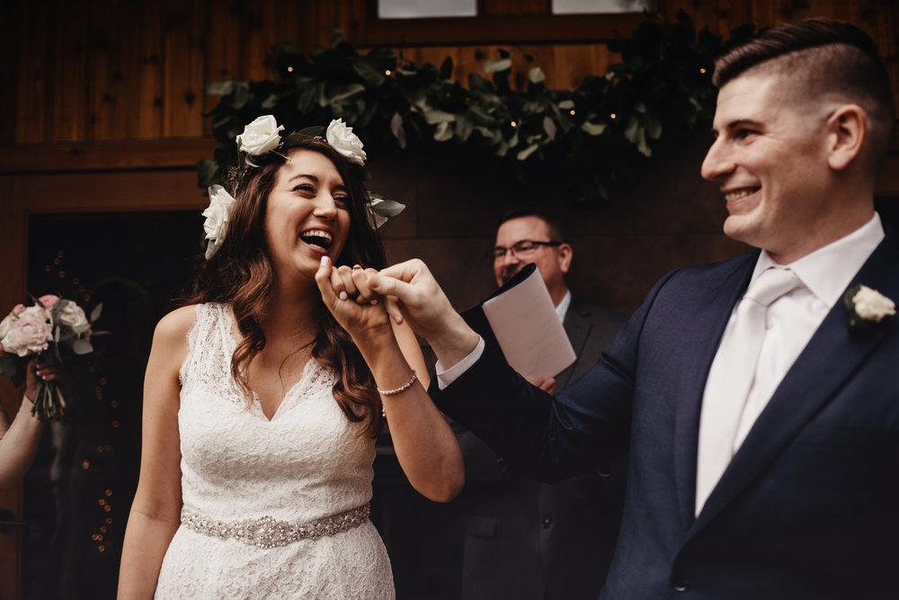 CABIN WEDDING SKAMANIA LODGE_JOSH HALEY_JENNY CHOKBENGBOUN PHOTO _-124 copy.jpg