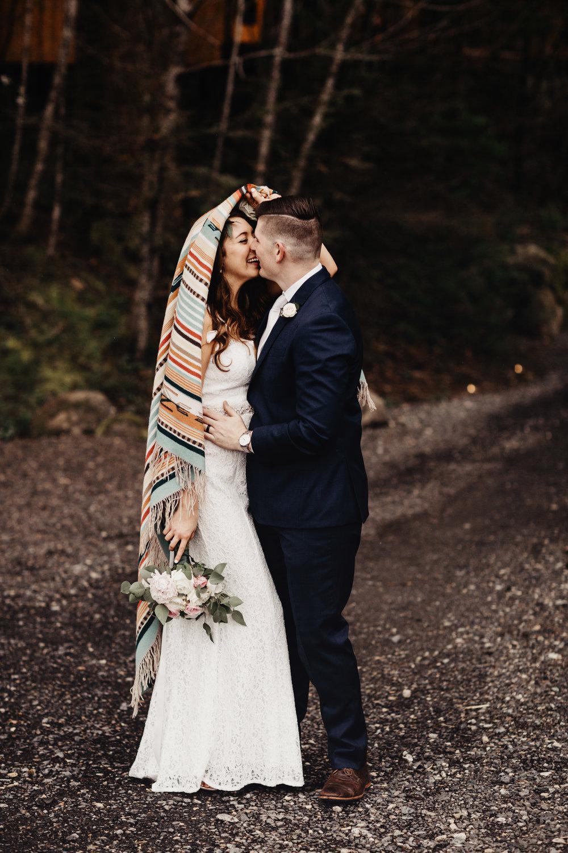 CABIN WEDDING SKAMANIA LODGE_JOSH HALEY_JENNY CHOKBENGBOUN PHOTO _-216 copy.jpg
