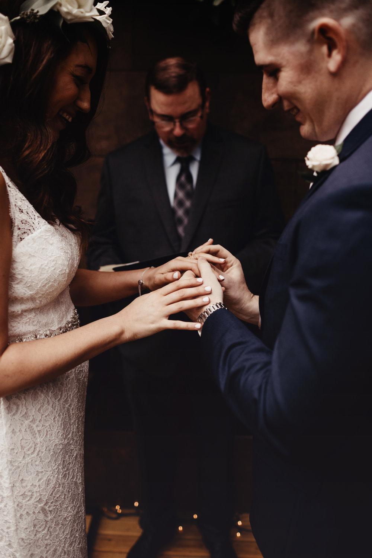 CABIN WEDDING SKAMANIA LODGE_JOSH HALEY_JENNY CHOKBENGBOUN PHOTO _-110 copy.jpg