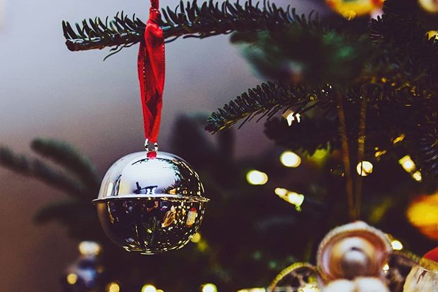"""Jingle balls, jingle balls, jingle ball rock, Jingle balls swing and jingle balls ring, Snowing and blowing up bushels of fun, Now the jingle hop has begun!"" . . . Gents do yourself a favour this holiday season and ring those jingle balls. Learn more about how to check them right, link in our bio. . . . #jingleballs #jinglebells #christmaspuns #ballpuns #checkyourbells #ringyourbells #cancerawareness #loveyournuts #testicularcancer #testicularhealth #cancercanada #menshealth #yycnow #ballcancer #calgary #oneball #kickcancerintheballs #cancercanada #yyc #menshealthcanada #yycliving #ballcancersucks #coldasballs"