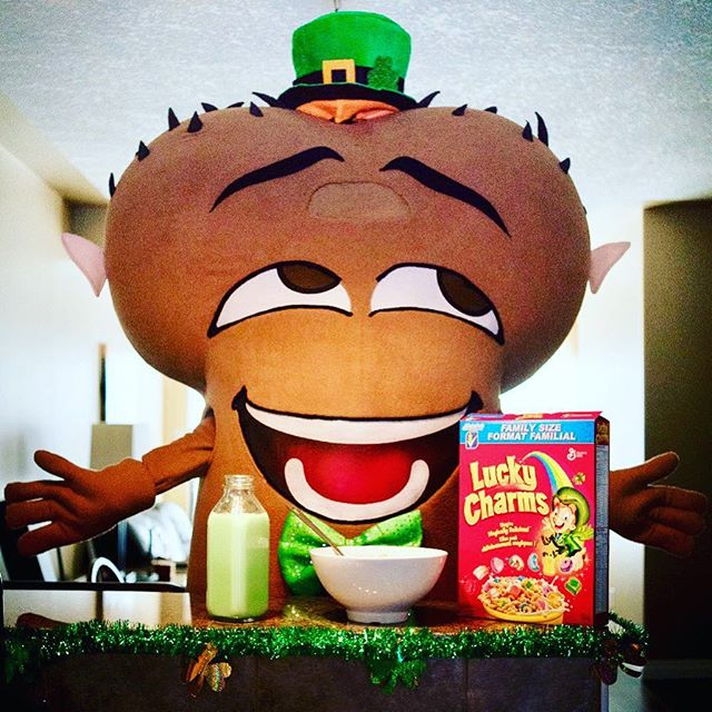 Don't forget to give yer lucky charms a St. Pat-down today! Visit oneball.ca for information on how to self-check for testicular cancer. . . . . . . #stpattys #oneball #cancercaresupport #calgary #cancercarecanada #selfcheck #menshealthcanada #yycnow #yyc #stpatricksday #yycliving #cancersux #testicularcancer #ballcancer #testicularhealth #green #yyctoday #calgaryliving #checkyournuts #luckycharms #kissmeimirish #yycdaily #cancer #kickcancerintheballs #cancercanada #checkyourself #irish #shamrock #luckoftheirish