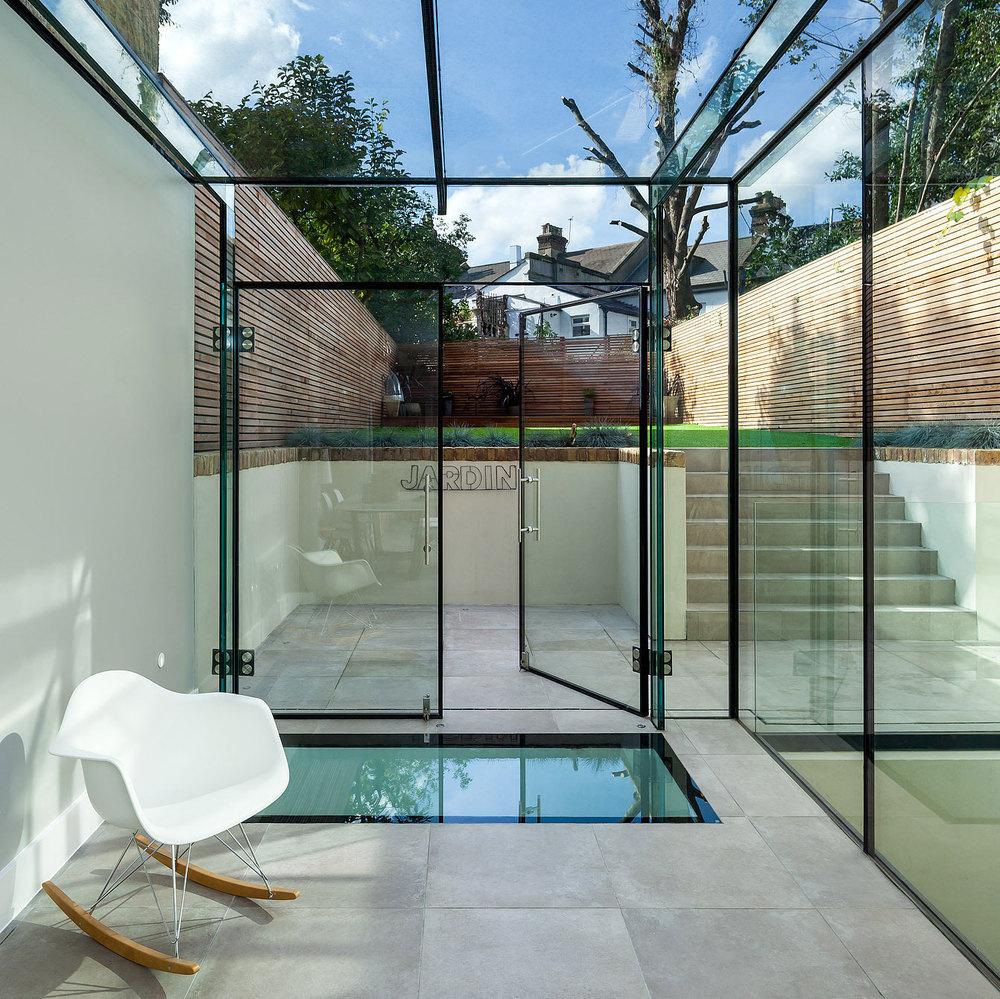Opulen garden area London