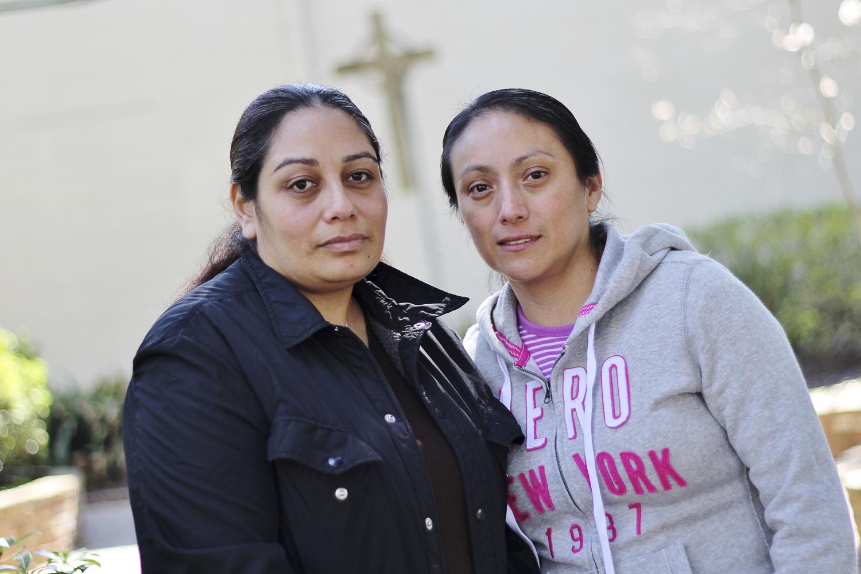 Rosalba Pérez (à gauche) a été assignée par son patron à un travail de nuit et a été forcée à des actes sexuels. elle a osé porter plainte mais a perdu au pénal. elle entame aujourd'hui une procédure civile.