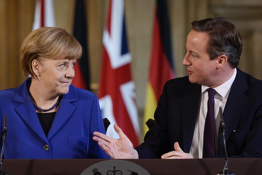 Angela Merket et David Cameron poussent à la roue pour parvenir au Traité transatlantique de libre-échange avec les États-Unis. © Keystone / AP / Facundo Arrizabalaga / 27 février 2014