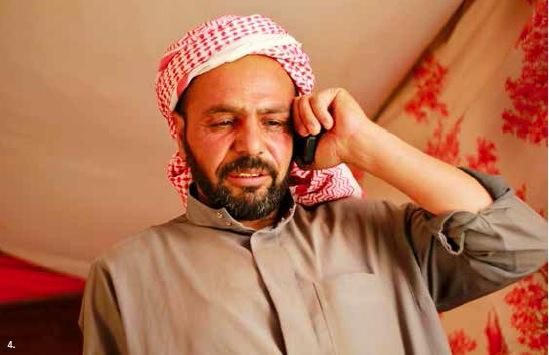 Khaled, réfugié syrien, ne peut pas travailler pour subvenir aux besoins de sa famille de peur d'être déportée en Syrie. alors c'est sa femme qui travaille aux champs illégalement.
