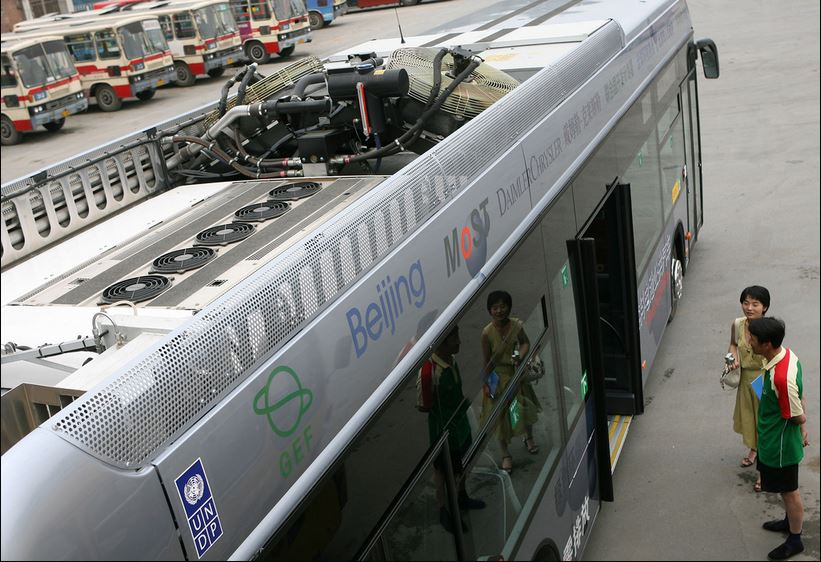 First public fuel-cell bus in China produced with funding support from the GEF. @ Wang Yan