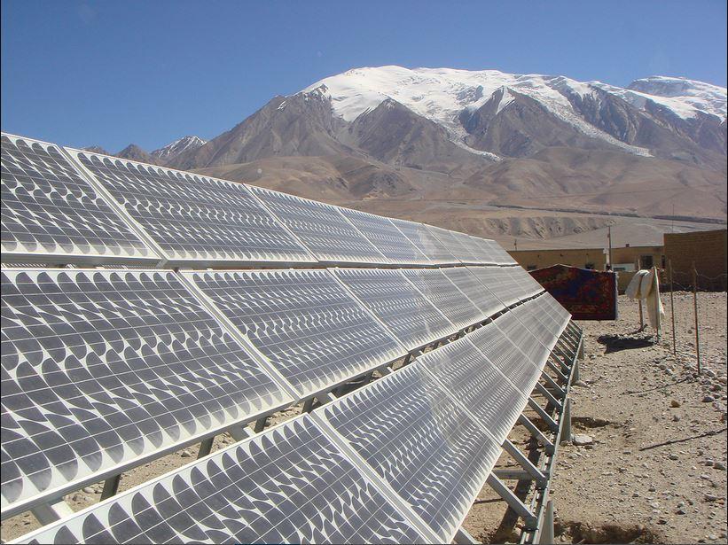 Solar power stations In Kezhou, Xinjiang Province. © Wang Yan