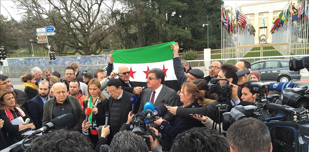 Début février, des représentants de l'opposition syrienne tenaient une conférence de presse à l'extérieur du Palais des Nations pour se plaindre de l'état des discussions. © Charlotte Julie / 2016