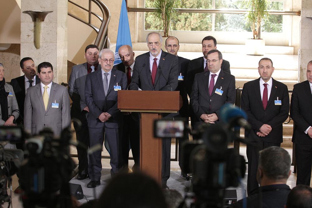 L'ambassadeur Bachar Jaafari au centre de la délégation de Damas au Palais des Nations à Genève. © UN Photo / Elma Okic / 20 avril 2016