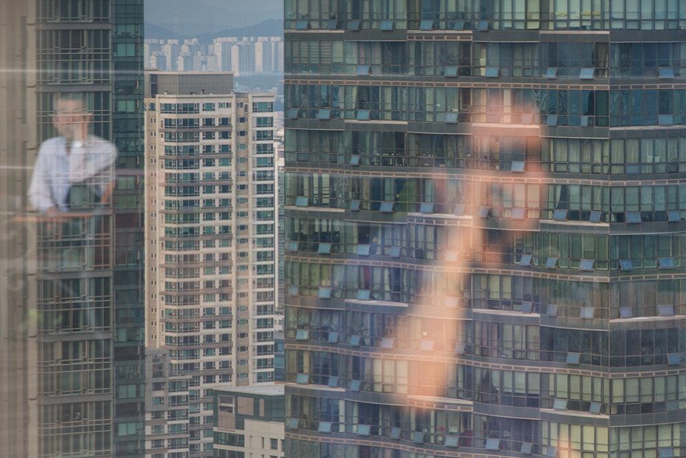 En milieu urbain, il n'y a plus que des tours. À songdo, il n'y a aucune maison individuelle. © Stéphanie Buret / juillet-août 2016