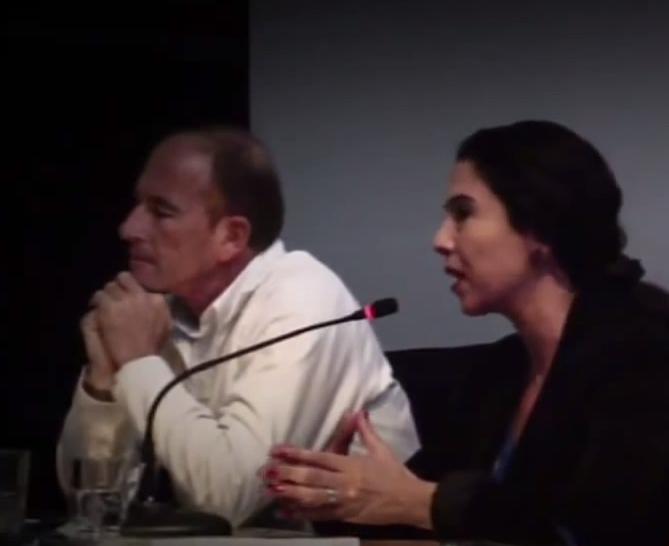 Image extraite de la vidéo de la conférence de Miret Zaki et Étienne Chouard le 3 décembre 2011