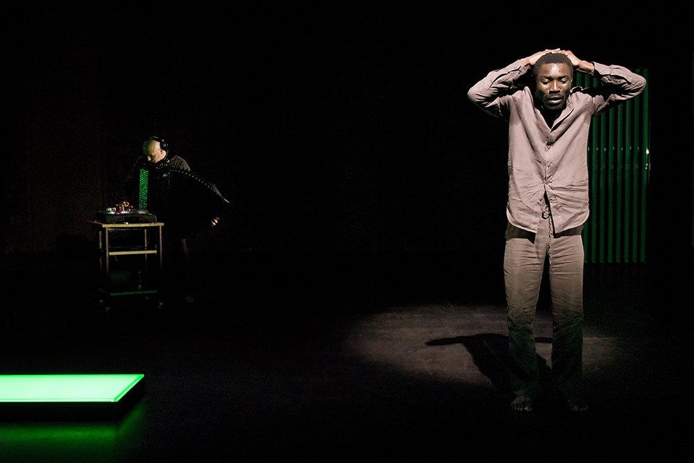 Nkenguégi, de Dieudonné Niangouna, au Théâtre St-Gervais, à Genève. @Thierry Burlot / 2011