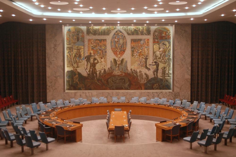 La salle du Conseil de sécurité des Nations unies à New York, l'antre où sont adoptées les résolutions onusiennes. © Courtesy Albo par Charlotte Julie / 2016