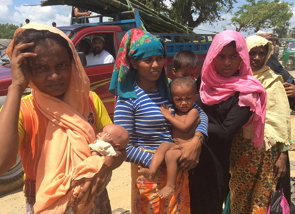 « Environ 425 000 personnes sont arrivées depuis le 25 août dernier dans les camps dressés par l'UNICEF », détaille Christophe Boulierac, porte parole de l'organisation, joint par téléphone à la frontière entre la Birmanie et le Bangladesh. © UNICEF / 2017