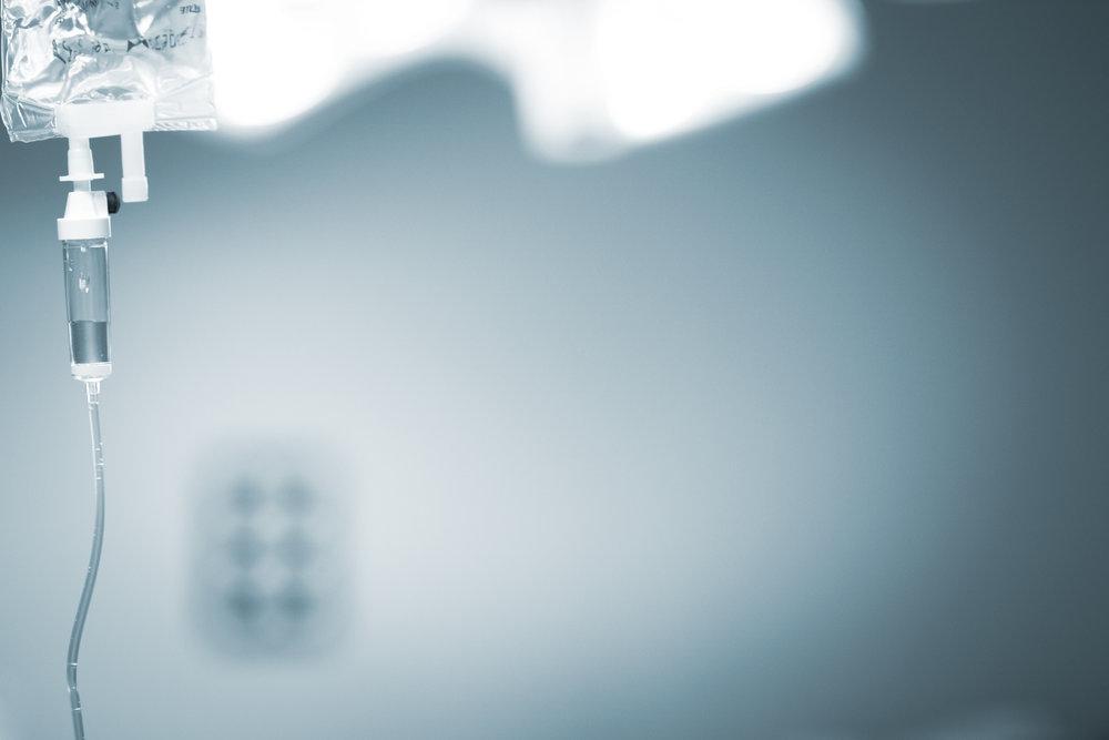 La lumière a fini par percer dans l'affaire impliquant Roche et Novartis, condamnées pour avoir fait obstacle à la vente de l'Avastin, un anticancéreux administré en perfusion intraveineuse, efficace aussi contre la dégénérescence maculaire. © Edward Olive / 2018
