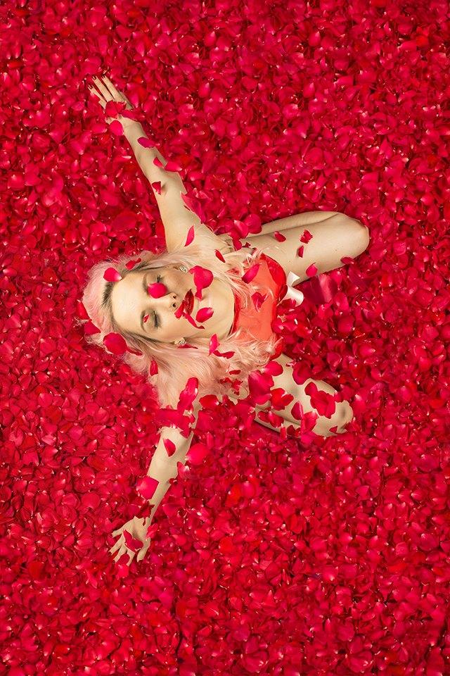 ROSES-DANCEMADDIE.jpg