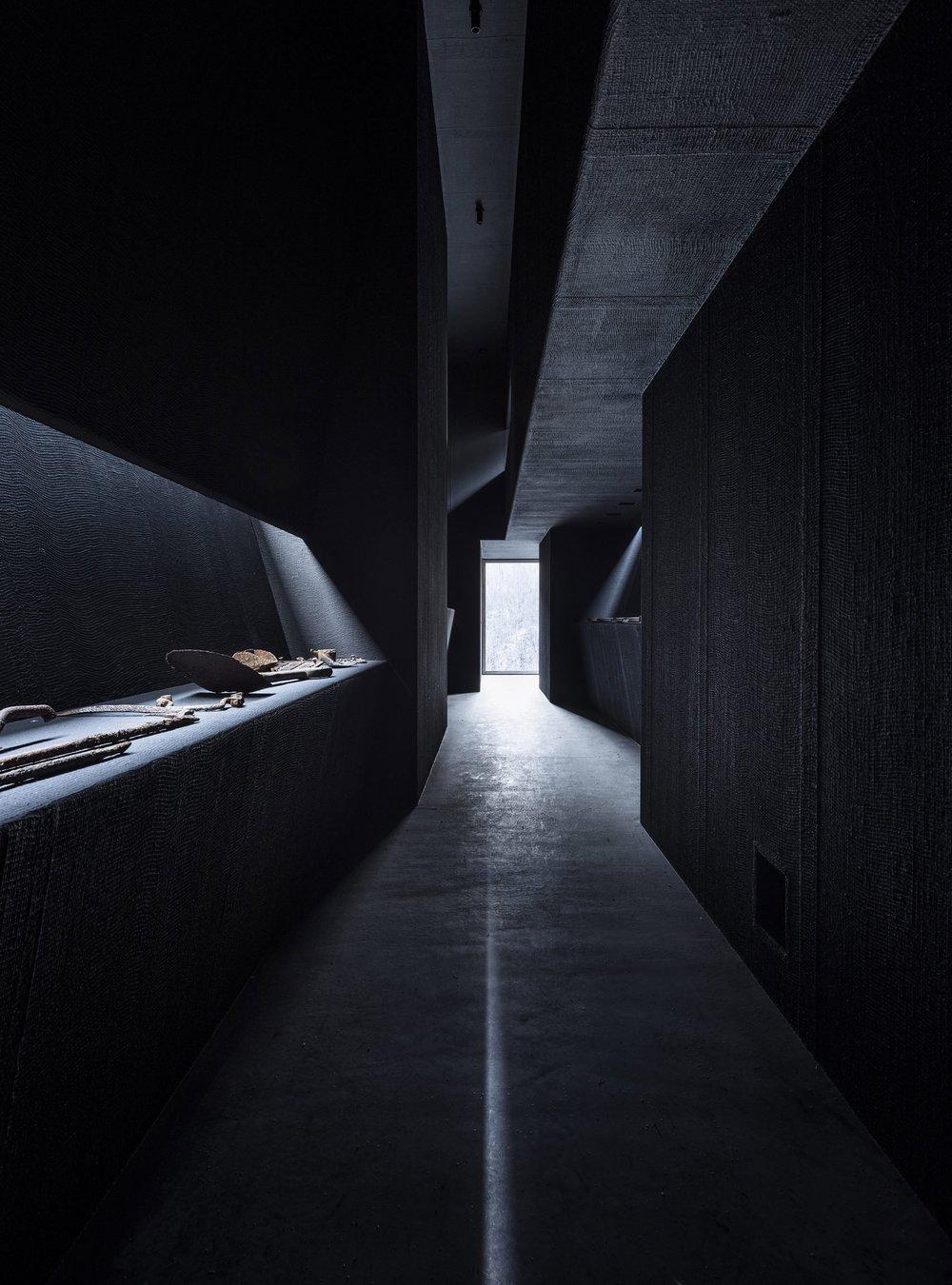 aldo-amoretti-mine-zinc-museum-architecture-photography-_dezeen_2364_col_18-1704x2301.jpg