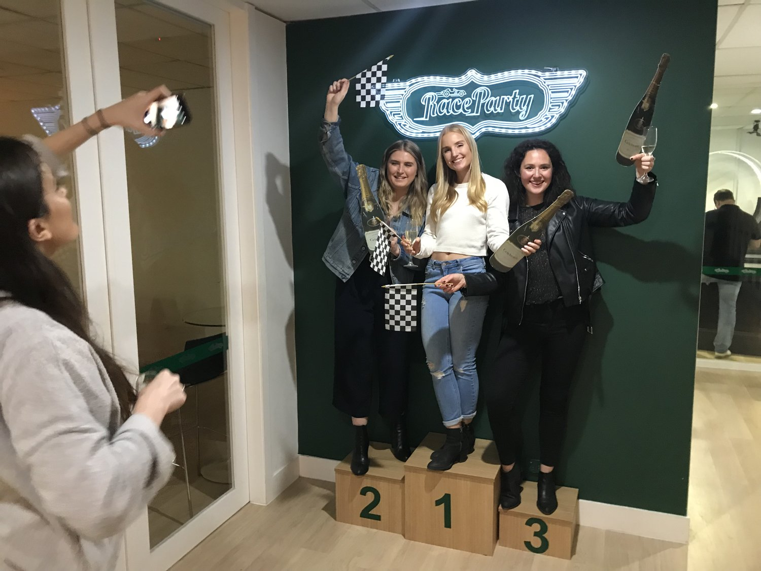 Race Party - Boutique Slot Car Racing, parties and events