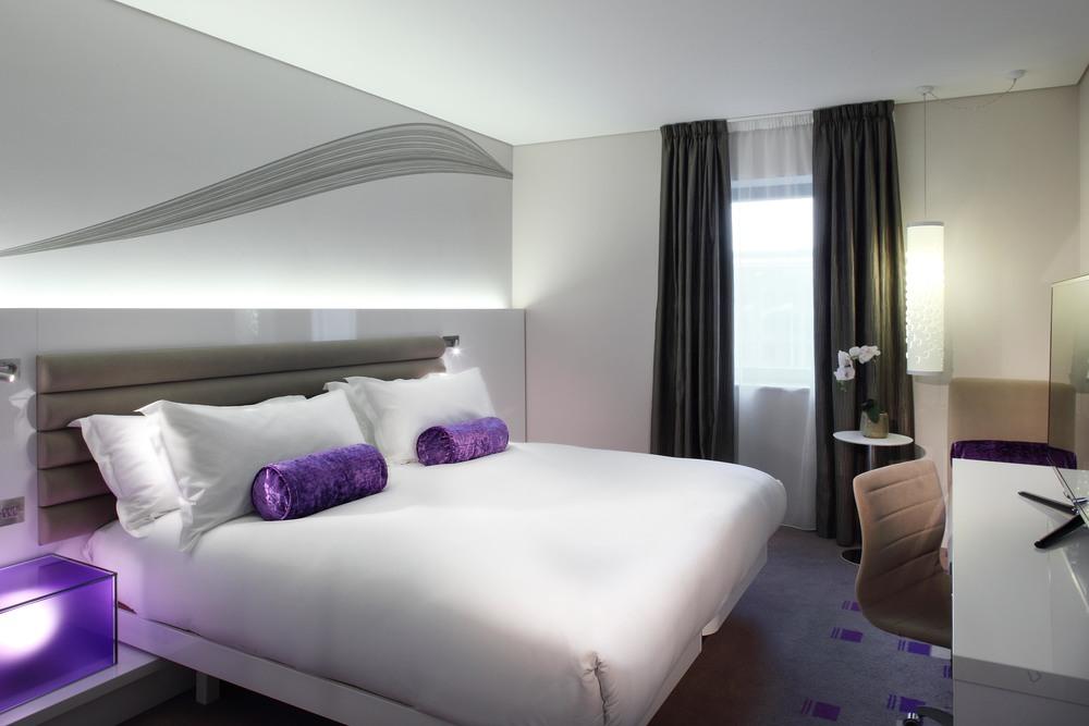 Guestroom Blank Purple.jpg