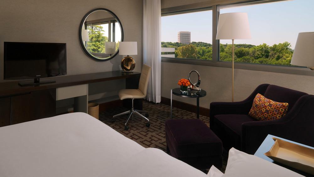 Club-Room---Sheraton-Roma-Hotel.jpg
