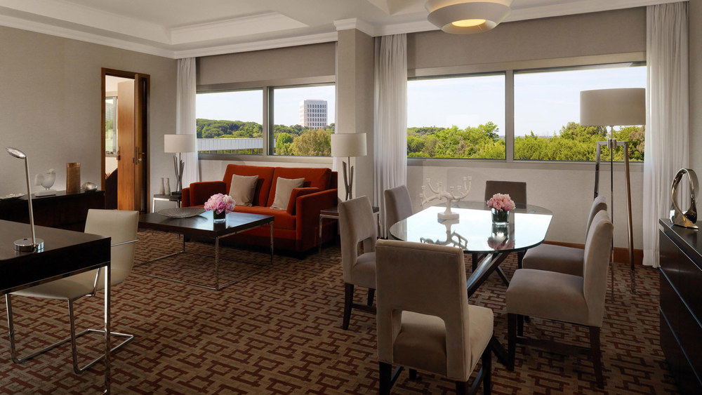Presidential-Suite-Living-Room---Sheraton-Roma-Hotel.jpg