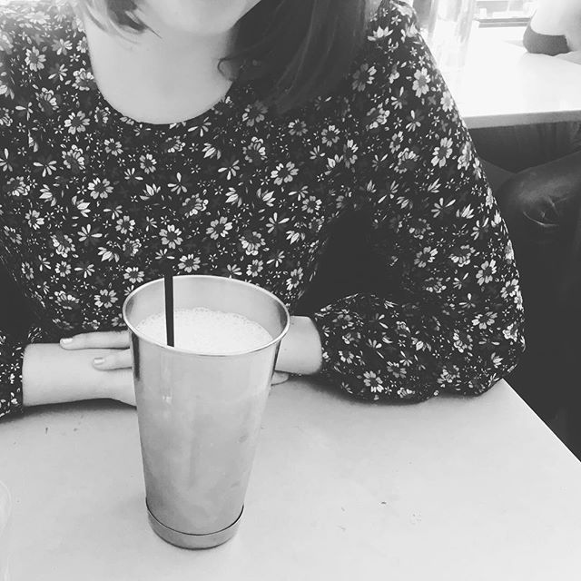 Real strawberry milk shakes bring yards to fabulous conversation 🍓 Love a good word snuggle with my beautiful @katepiekutowski . #ladycrush #milkshake #cafe #love