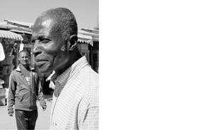 AKINBODE AKINBIYI PHOTOGRAPHER AND CURATOR BERLIN, GERMANY Akinbiyi est né de parents nigérians à Oxford, Angleterre, et a grandi au Nigeria et en Angleterre. Il est un photographe passionné par les grands centres urbains, en particulier sur le continent africain – Lagos, Le Caire, Johannesburg, Addis-Abeba, Dakar et Bamako. Akinbiyi voit l'image photographique comme une opportunité pour raconter des histoires, et il présente ses images en séries racontant l'histoire de la condition urbaine contemporaine. Il est également écrivain et conservateur, et a publié et exposé internationalement.